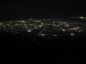 Japonsko - Fuji - pohled dolu v noci